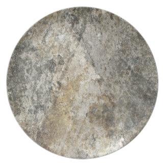 Cara de la roca plato de comida