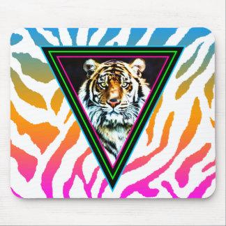 Cara de neón del tigre de los triángulos del alfombrillas de ratón