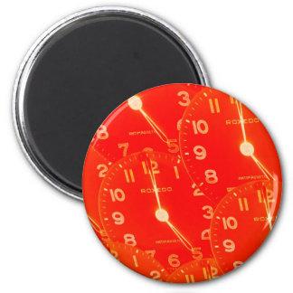 Cara de reloj anaranjada imán de frigorifico