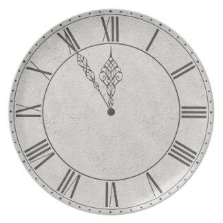Cara de reloj negra y blanca del número romano plato de cena