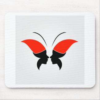 Cara de una señora y de una mariposa alfombrilla de raton