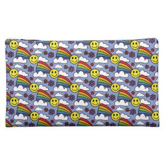 Cara del arco iris y modelo sonrientes del Hippie