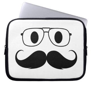 cara del bigote funda computadora