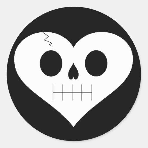 Cara del corazón del cráneo pegatina redonda