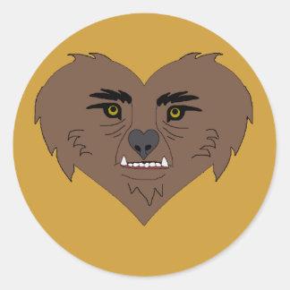 Cara del corazón del hombre lobo pegatina redonda