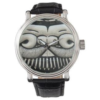 Cara del dragón reloj