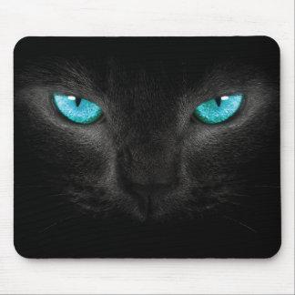 Cara del gato negro con los ojos de la turquesa alfombrillas de ratones