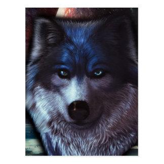 Cara del lobo en el espacio, pintura azul del lobo postal