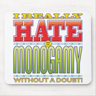 Cara del odio de la monogamia alfombrilla de ratón
