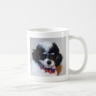 Cara del perrito del caniche de Parti del juguete Taza Clásica