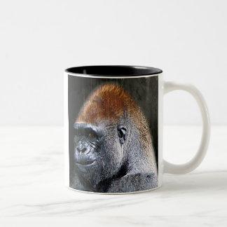 Cara del primer del gorila de la tierra baja del taza de café de dos colores