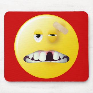 Cara del smiley de la fotografía de detenido mouse pads