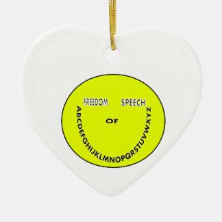 Cara del smiley de la libertad de expresión adorno navideño de cerámica en forma de corazón