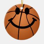 Cara del smiley del baloncesto adorno redondo de cerámica