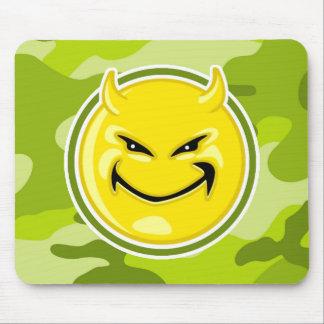 Cara del smiley del diablo; camo verde claro, tapete de ratón