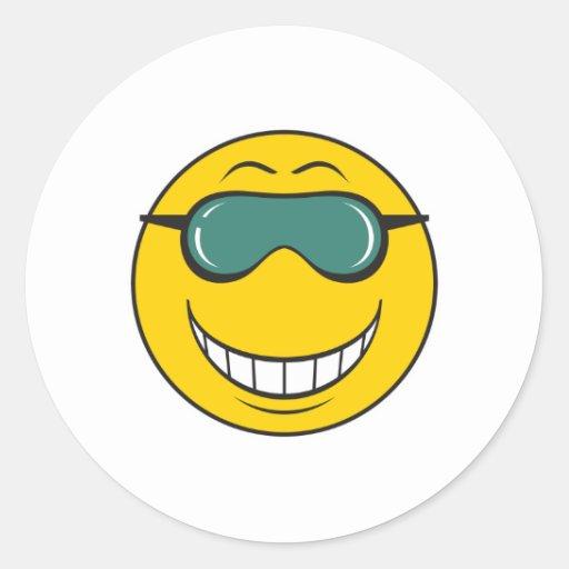 Cara del smiley del tipo de Cood Pegatinas Redondas