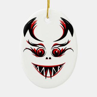 Cara del vampiro/del monstruo/del demonio con los  ornato