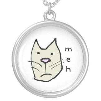 Cara divertida Meh del gato del dibujo animado Collar Plateado