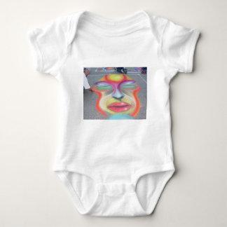 Cara en el asfalto body para bebé