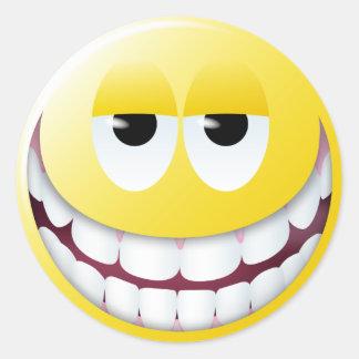 Cara enorme del smiley de la sonrisa pegatina redonda