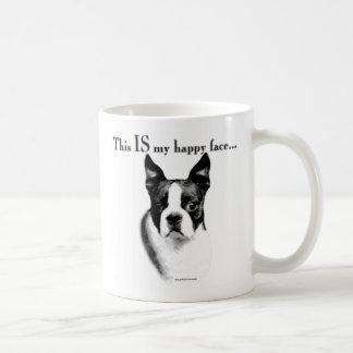 Cara feliz de Boston Terrier Taza Básica Blanca