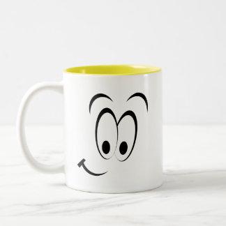 Cara feliz linda tazas