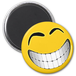 Cara grande amarilla del smiley de la mueca iman de nevera