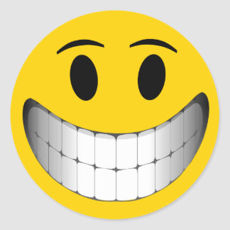 Cara grande amarilla del smiley de la sonrisa pegatina redonda