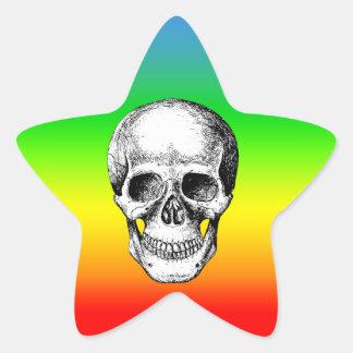 Cara humana del blanco del cráneo pegatina en forma de estrella