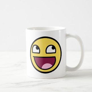 cara impresionante de la cara sonriente taza clásica
