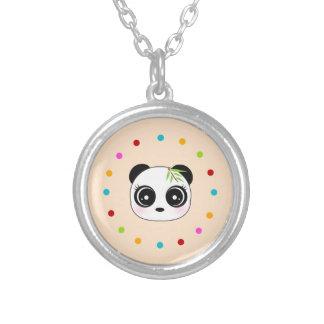 Cara linda de la panda, círculo del lunar grimpola