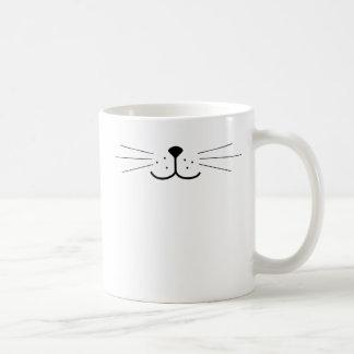 Cara linda del gato taza básica blanca
