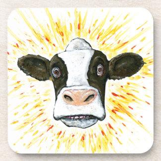 Cara loca de la vaca posavasos de bebidas