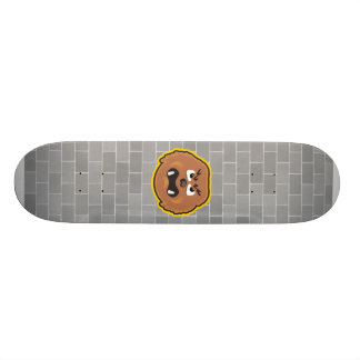 cara melenuda enojada del monstruo skate board