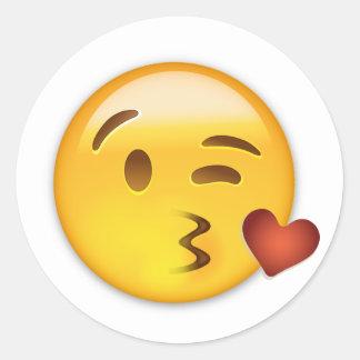 Cara que lanza un beso Emoji Pegatina Redonda