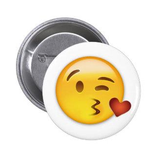 Cara que lanza un beso Emoji Pin Redondo De 2 Pulgadas