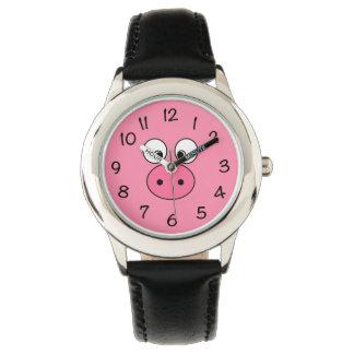 Cara rosada del cerdo reloj