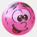Cara rosada del globo pegatina redonda