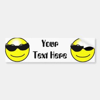 Cara sonriente amarilla de las gafas de sol fresca pegatina de parachoque