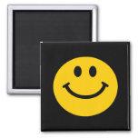 Cara sonriente amarilla imán para frigorifico