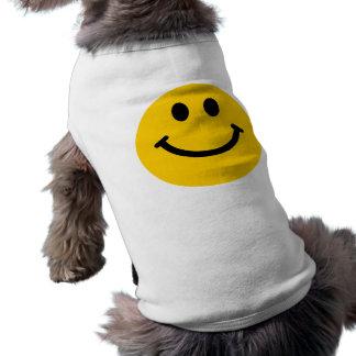 Cara sonriente amarilla camisa de perro