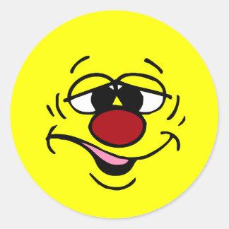 Cara sonriente avergonzada Grumpey Pegatina Redonda
