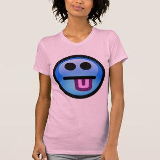 Cara sonriente azul con la lengua que se pega haci camiseta