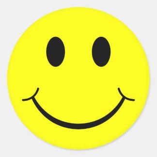 Cara sonriente clásica pegatina redonda