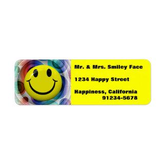Cara sonriente colorida, etiquetas brillantes del  etiqueta de remite
