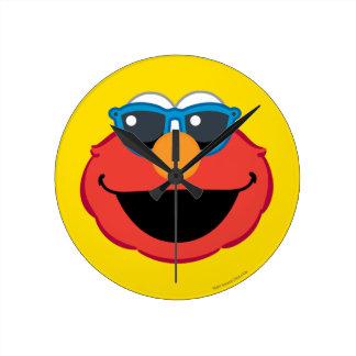 Cara sonriente de Elmo con las gafas de sol Reloj Redondo Mediano