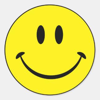 Cara sonriente de la felicidad pegatina redonda