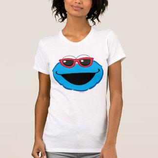 Cara sonriente de la galleta con las gafas de sol playera