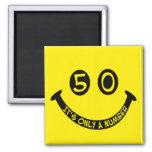 ¡cara sonriente del 50.o cumpleaños, es solamente  imán de frigorifico