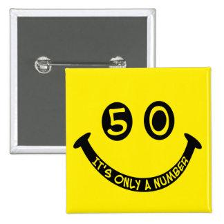 ¡cara sonriente del 50.o cumpleaños, es solamente  pins